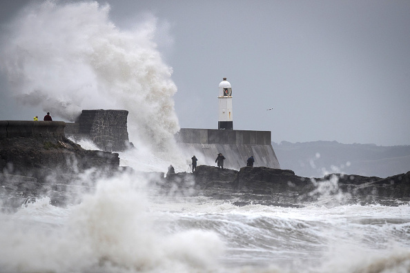 Water's Edge「UK Hit By Storm Helene」:写真・画像(17)[壁紙.com]