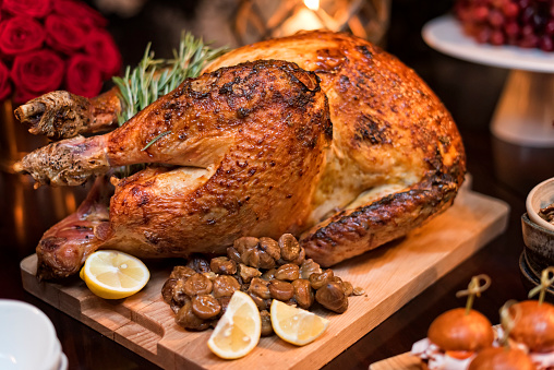 Turkey - Bird「Roasted turkey on holiday table」:スマホ壁紙(0)