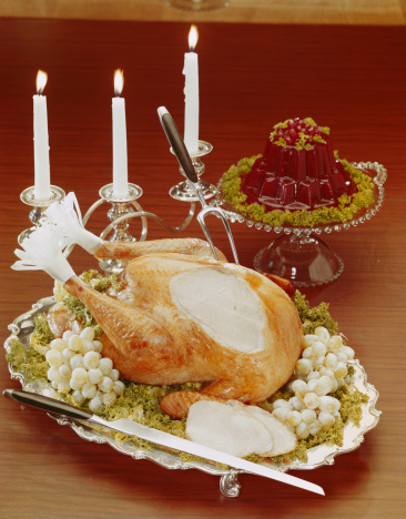 1960-1969「Roasted turkey with illuminated candles, close-up」:スマホ壁紙(15)