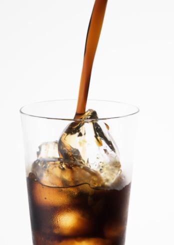 Pouring「Iced Coffee」:スマホ壁紙(9)