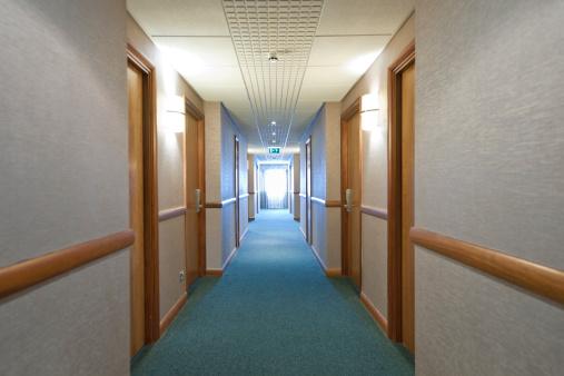 England「corridor at hotel in the UK」:スマホ壁紙(15)