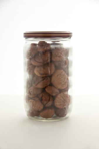 栗「Whole roasted chestnuts in a jar」:スマホ壁紙(17)