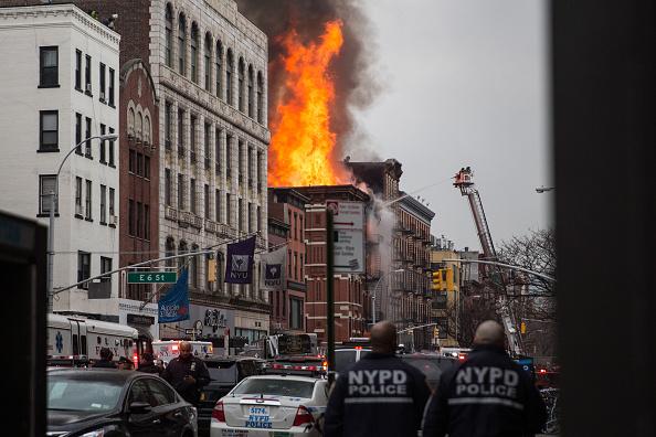 Exploding「Building Explosion In Manhattan's East Village」:写真・画像(13)[壁紙.com]