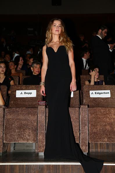 Bustier Dress「'Black Mass' Premiere - 72nd Venice Film Festival」:写真・画像(10)[壁紙.com]
