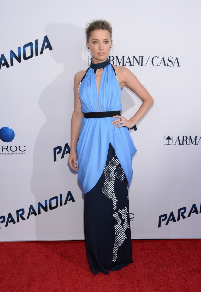 "Halter Top「Premiere Of Relativity Media's ""Paranoia"" - Arrivals」:写真・画像(7)[壁紙.com]"