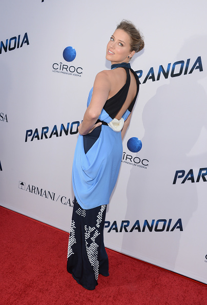 "Halter Top「Premiere Of Relativity Media's ""Paranoia"" - Arrivals」:写真・画像(17)[壁紙.com]"