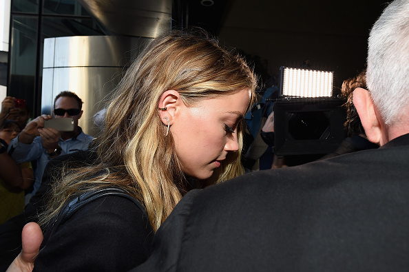 アンバー・ハード「Amber Heard Faces Trial In Gold Coast Court For Smuggling Johnny Depp's Dogs Into Australia」:写真・画像(17)[壁紙.com]