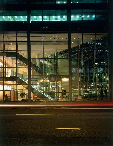 2002「ABN Amro Building. London, United Kingdom.」:写真・画像(7)[壁紙.com]
