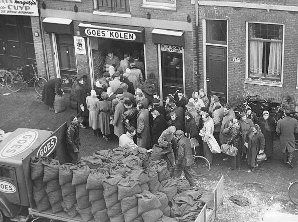 Netherlands「Amsterdam Queue」:写真・画像(0)[壁紙.com]