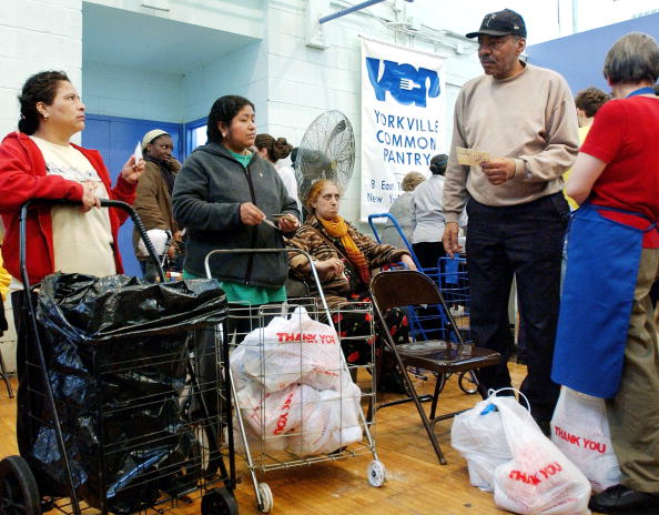 Waiting In Line「24/7 Food Pantry Opens In New York City」:写真・画像(13)[壁紙.com]