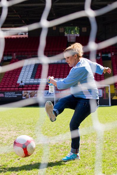 Tristan Fewings「Soccer Six」:写真・画像(16)[壁紙.com]