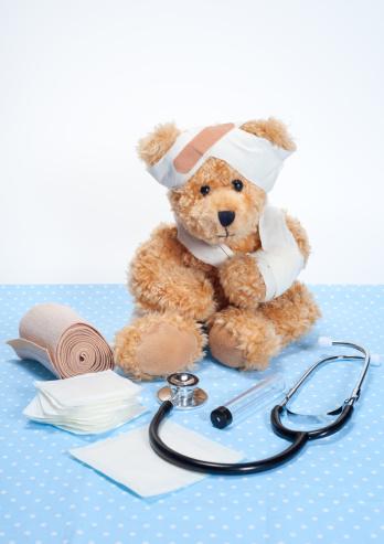 Doll「Suffering Sick Sweet Teddy Bear in Hospital」:スマホ壁紙(17)