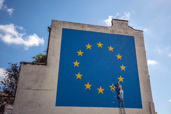 Representing「Banksy Brexit Mural Appears On A Building Close To Dover Ferry Port」:写真・画像(15)[壁紙.com]