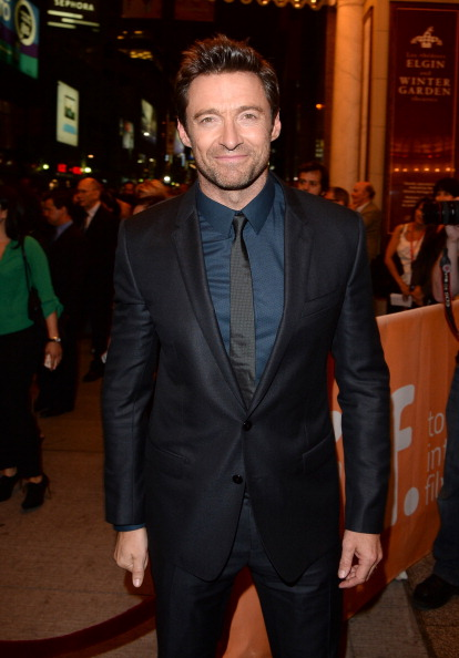 "Full Suit「""Prisoners"" Premiere - Arrivals - 2013 Toronto International Film Festival」:写真・画像(11)[壁紙.com]"