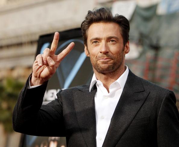 "Peace Sign - Gesture「Screening of 20th Century Fox's ""X-Men Origins: Wolverine"" - Arrivals」:写真・画像(15)[壁紙.com]"