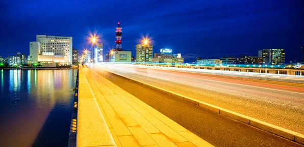 Shining「夕暮れの動線と新潟万代橋全景」:スマホ壁紙(6)