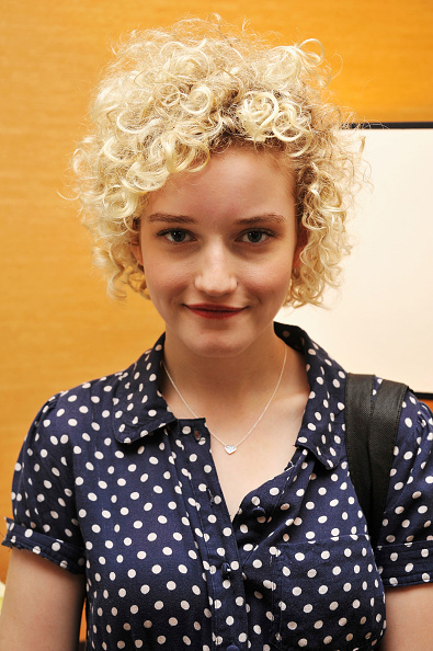 Curly Hair「Get Glam: A Fashion Week Lounge at The Empire Hotel Day 1」:写真・画像(17)[壁紙.com]