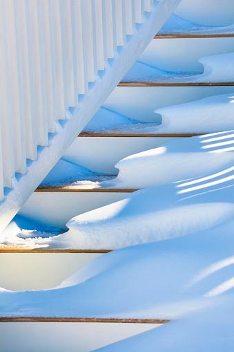 雪景色「雪のポーチステアズ」:スマホ壁紙(16)