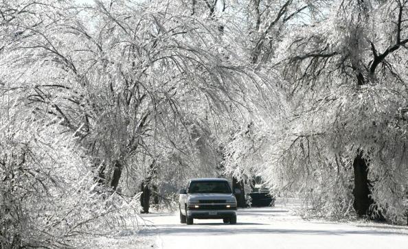 運転手「State Emergency Declared As Winter Storms Batter Kansas」:写真・画像(7)[壁紙.com]