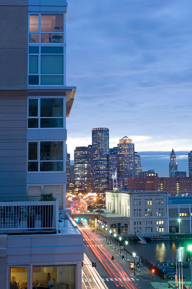Apartment「Portion of the Park Lane Seaport Apartments looking down Northern Avenue into downtown Boston, Massachusetts, USA」:写真・画像(19)[壁紙.com]