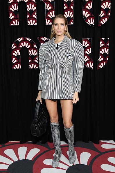 Oversized「Miu Miu : Photocall - Paris Fashion Week Womenswear Fall/Winter 2020/2021」:写真・画像(9)[壁紙.com]