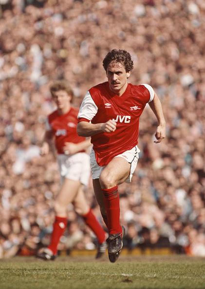 Club Soccer「Kenny Sansom Arsenal 1984」:写真・画像(1)[壁紙.com]