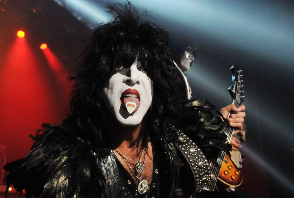 Metal「Kiss Play The Forum in London」:写真・画像(6)[壁紙.com]
