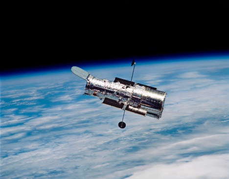 Hubble Space Telescope「Hubble Space Telescope in orbit around Earth.」:スマホ壁紙(1)