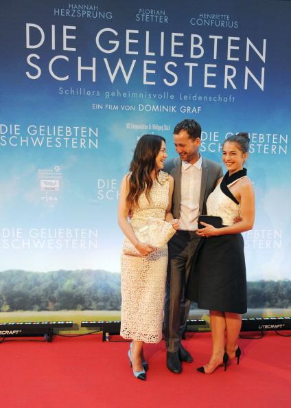 Jens-Ulrich Koch「'Die geliebten Schwestern' German Premiere」:写真・画像(10)[壁紙.com]