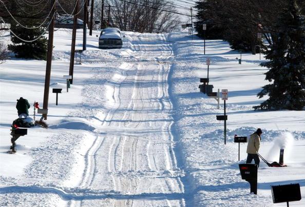 雪の吹きだまり「Major Winter Storm Hits Ohio Before Christmas」:写真・画像(11)[壁紙.com]