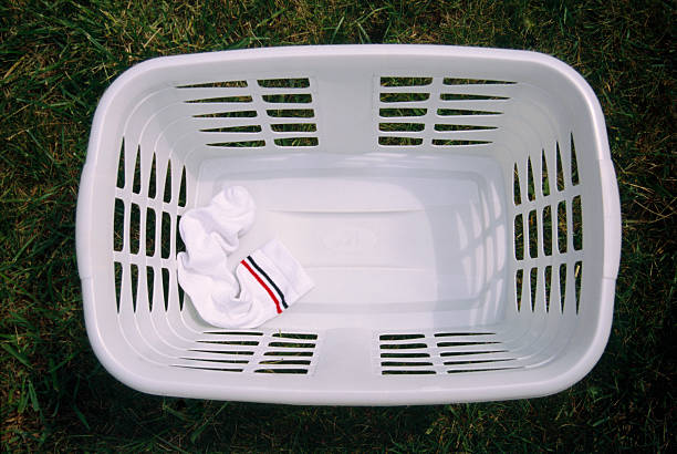 Socks in washing basket, elevated view:スマホ壁紙(壁紙.com)
