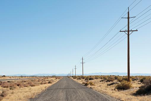 Electricity Pylon「Nevada, Highway 50, Electricity pylons next to road」:スマホ壁紙(16)