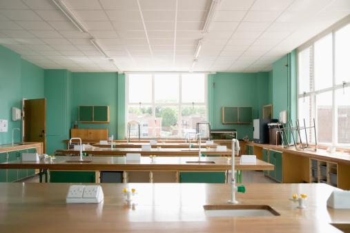 School Building「Empty science classroom」:スマホ壁紙(18)