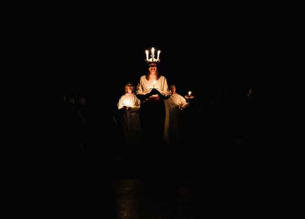 York - Yorkshire「Sankta Lucia Celebrated At York Minster」:写真・画像(2)[壁紙.com]