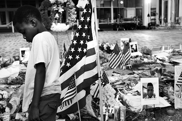 フロリダ州オーランド「Orlando Community Continues To Mourn In Wake Of Deadliest Mass Shooting In U.S. History」:写真・画像(4)[壁紙.com]