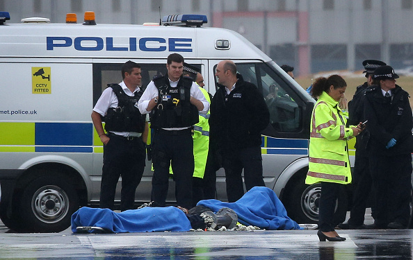 Heathrow Airport「Delays At Heathrow Airport As Plane Stupid Protestors Block Runway」:写真・画像(6)[壁紙.com]