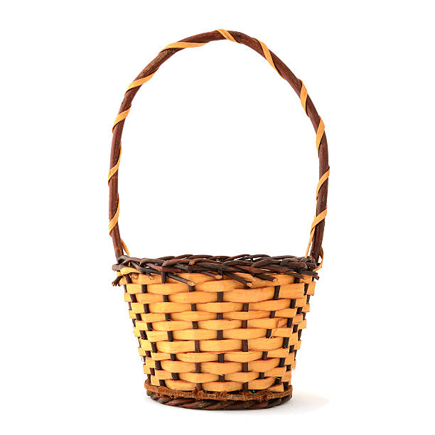 Woven wooden basket with handle on white background:スマホ壁紙(壁紙.com)