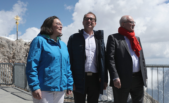 Garmisch-Partenkirchen「SPD And CDU/CSU Bundestag Factions Meet On Zugspitze Mountain」:写真・画像(7)[壁紙.com]