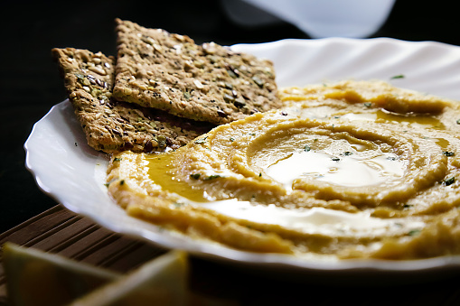 Sesame「Homemade hummus with lemon, herbs, virgin olive oil and integral flatbread」:スマホ壁紙(2)