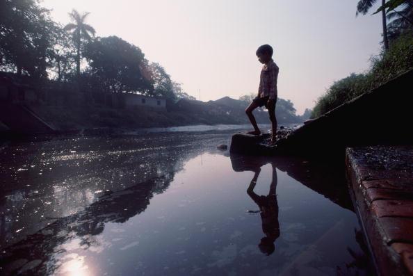 Tom Stoddart Archive「Boy In Calcutta」:写真・画像(9)[壁紙.com]