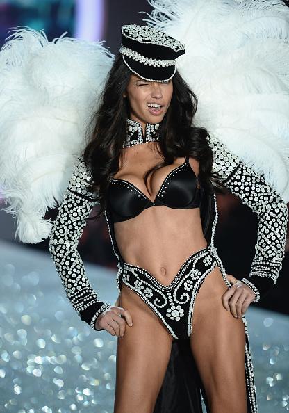 Panties「2013 Victoria's Secret Fashion Show - Show」:写真・画像(10)[壁紙.com]