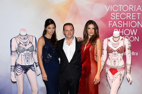 Victoria's Secret Fantasy Bra「Victoria's Secret Angels Adriana Lima  and Alessandra Ambrosio Debut Dream Angels Fantasy Bra By Mouawad」:写真・画像(9)[壁紙.com]