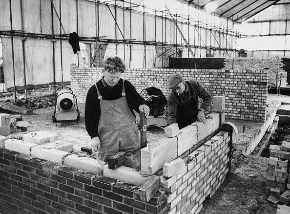 Brick Wall「Indoor Construction Work」:写真・画像(9)[壁紙.com]