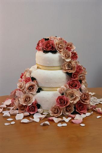 Wedding Cake「Cake Decorated with Roses」:スマホ壁紙(10)