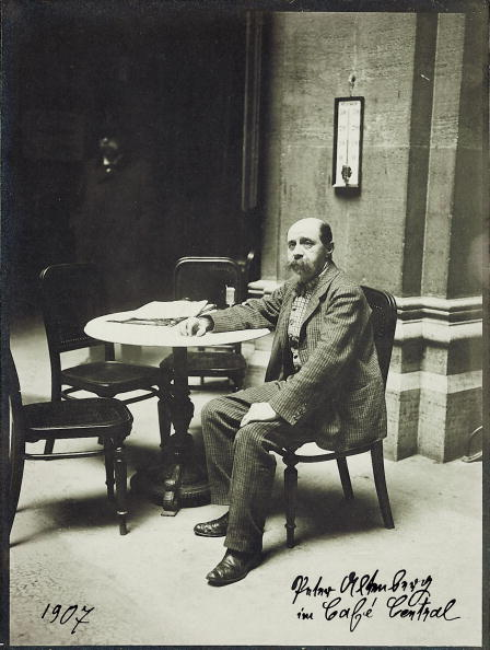 1900-1909「Peter Altenberg at the coffeehouse Central」:写真・画像(18)[壁紙.com]