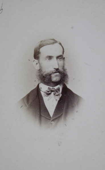 1870-1879「Men With Upper Lip Beard And Neck Loop. Chest Piece. About 1870. Photograph By August Red. Linz [Promenade] & Wels [Castle Garden Opposite The Parish Church].」:写真・画像(9)[壁紙.com]