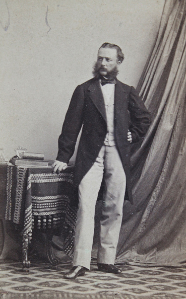 Overcoat「Men With Upper Lip And Sideburns In A Dark Frock Coat. With A Bright Vest And Pants. Full Figure. About 1865. Photograph By Neubauer / Kissingen - Nice - Würzburg.」:写真・画像(12)[壁紙.com]