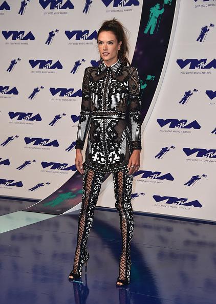 アレッサンドラ・アンブロジオ「2017 MTV Video Music Awards - Arrivals」:写真・画像(4)[壁紙.com]