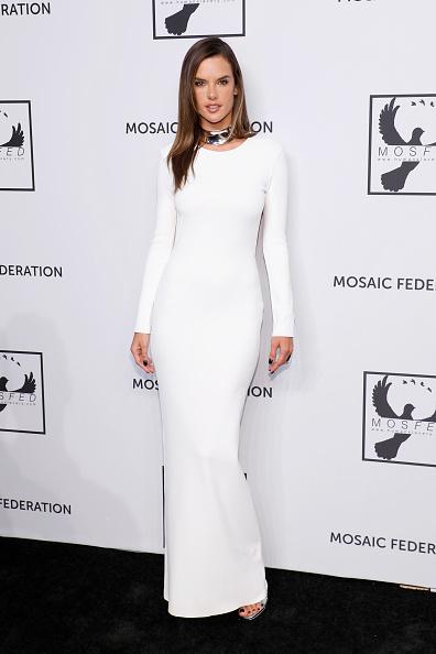 Alessandra Ambrosio「Mosaic Federation Gala Against Human Slavery」:写真・画像(12)[壁紙.com]