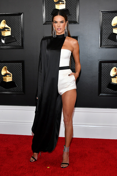 Alessandra Ambrosio「62nd Annual GRAMMY Awards - Arrivals」:写真・画像(3)[壁紙.com]
